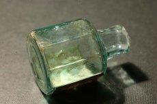 画像9: 〈イギリス〉1900年頃  英国ガラスインク瓶 英字ラベルRUBBER STAMPS オクタゴン (約高さ6.0cm) (9)