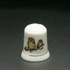 画像2: イギリス  英国陶製シンブル(指貫)幸運を運ぶ2羽のフクロウ (2)