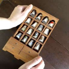 画像19: イギリス 英国製 木製シンブルディスプレイラック+英国陶製シンブル 16個セット (19)