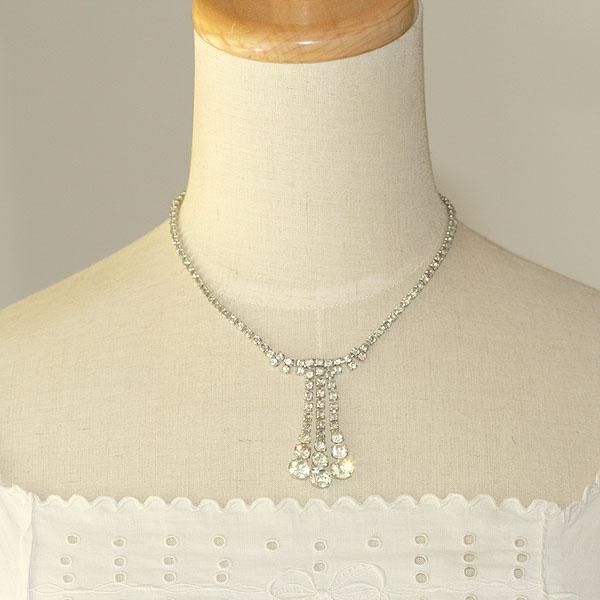 アメリカ 1960s ストーンタッセル チョーカー ビブネックレスとは ビンテージネックレス. «