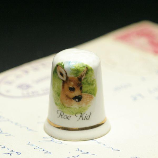 画像1: イギリス  英国陶製シンブル(指貫)Roe Kid ノロ鹿の子供 (1)